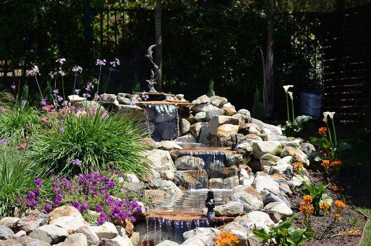 Luxury-Backyard-Fountain