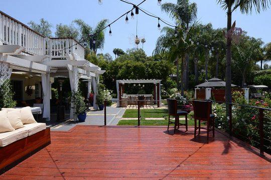 Luxury-Backyard